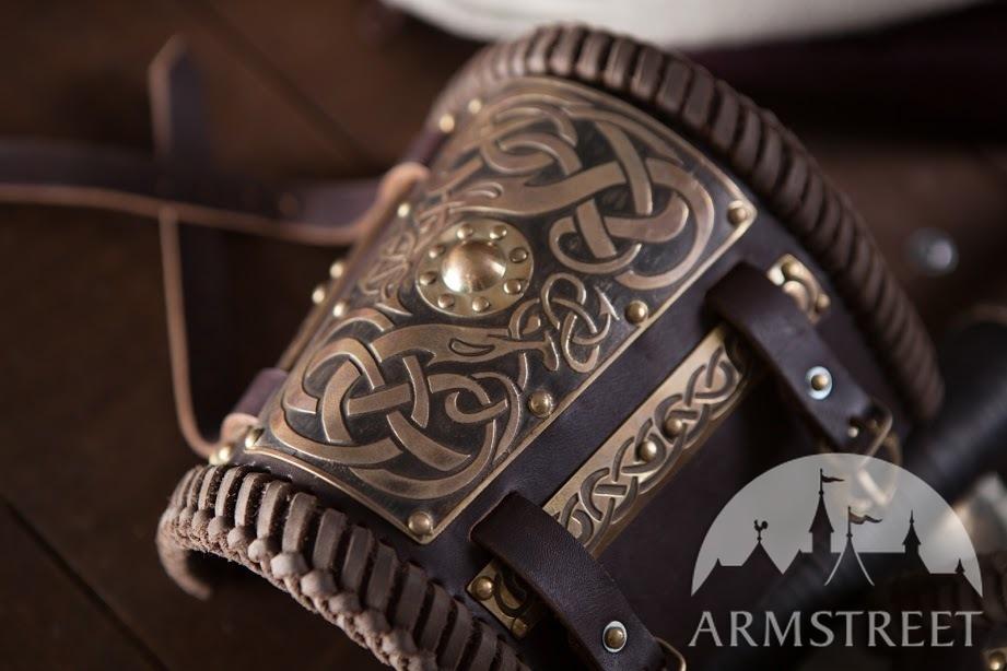 brillance des couleurs valeur formidable profiter de gros rabais Brassards vikings en cuir avec laiton