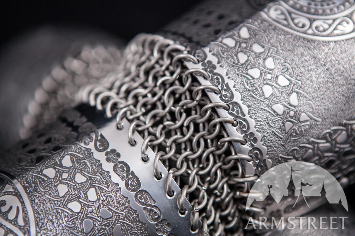 Gr ves slaves avec les genouill res armure rus m di vale vendre disponible en acier - Fabrication cotte de maille ...