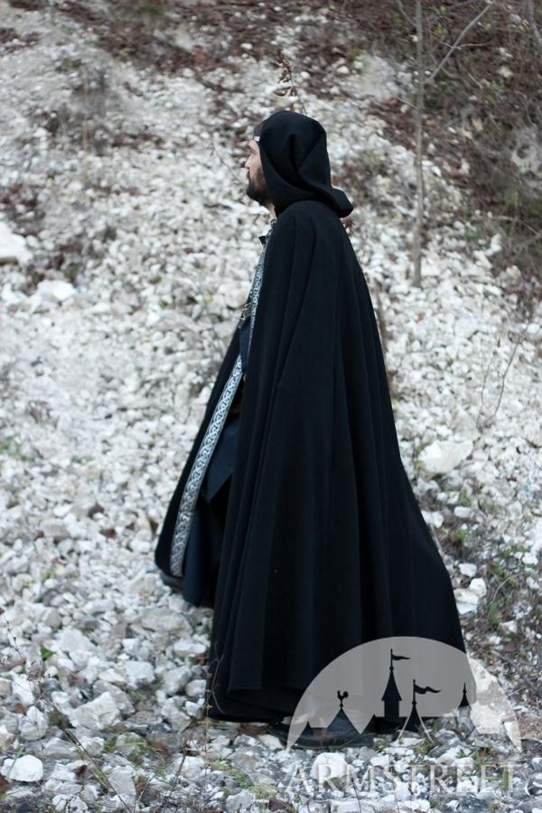 La cape médiévale de laine « Сorbin ». Disponible en : laine
