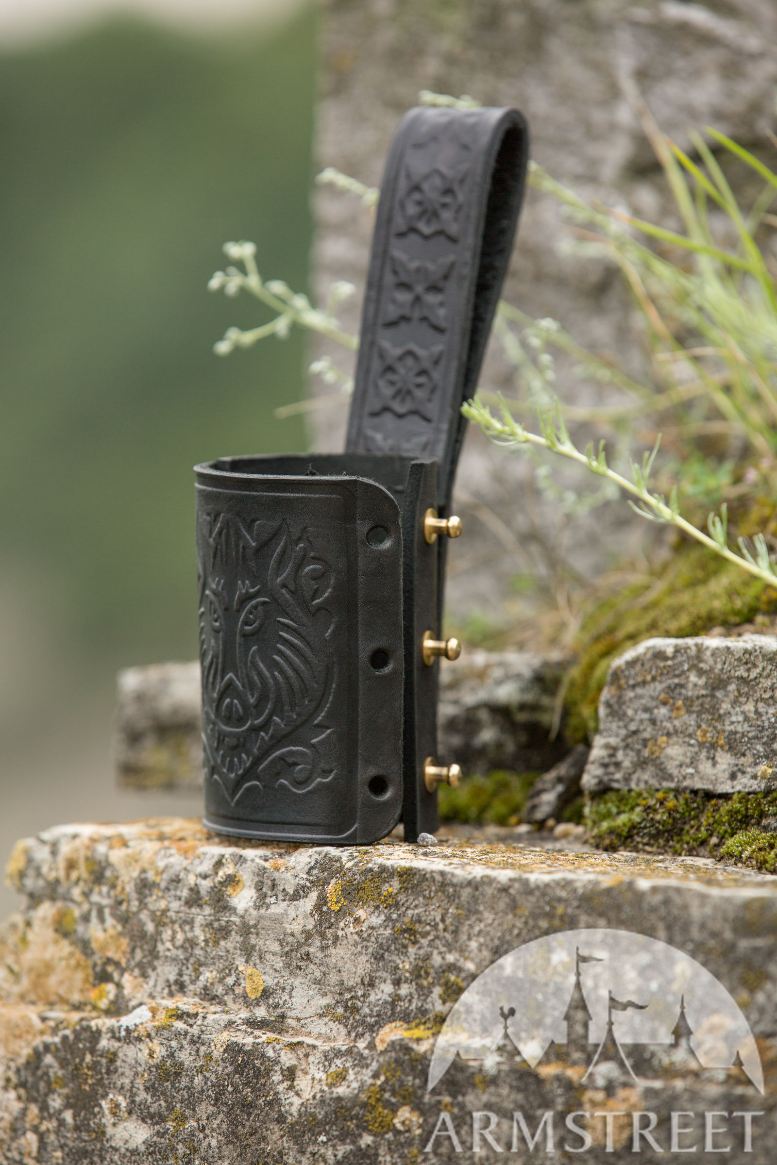 Porte-épée de ceinture en cuir gaufré « Chevalier Rebelle » pour vente.  Disponible en   cuir brun, cuir noir    ArmStreet 04a0e51f955