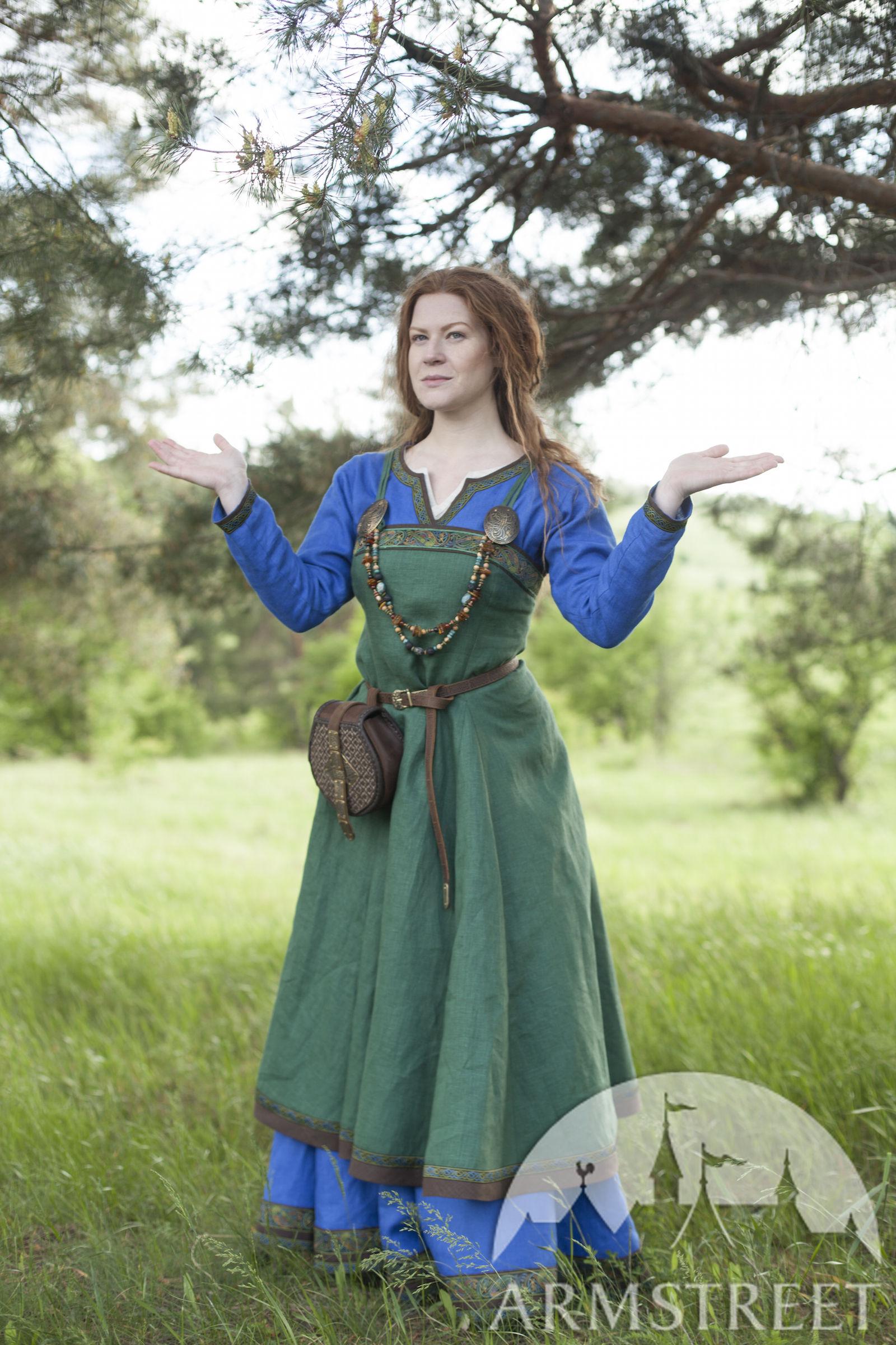 Avec » Du À Maîtresse Ingrid Viking Foyer Tablier « La Robe Ancienne EqvvH