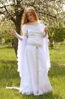 Robe blanche nuptiale médiéval « Isolde »